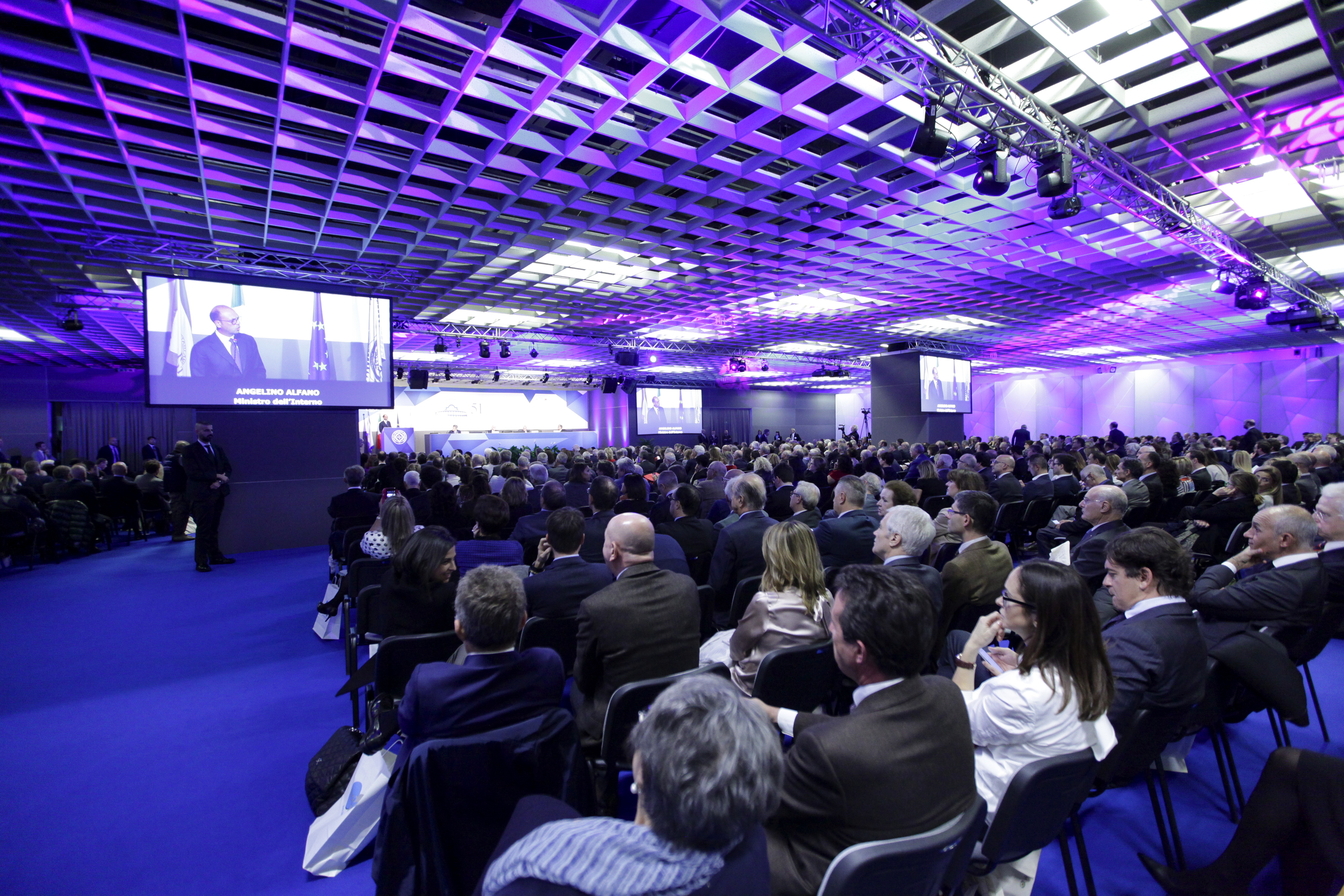 The veronafiere congress centre is a landmark in italy for for Verona fiera